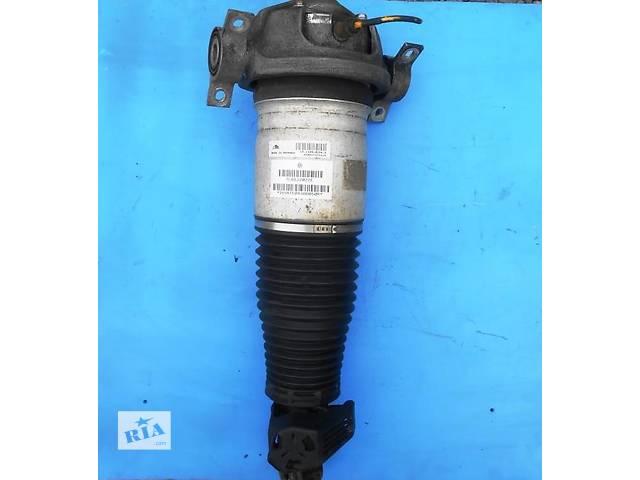 купить бу Амортизатор задний правый (пневмостойка) Volkswagen Touareg 7L6512022E в Ровно
