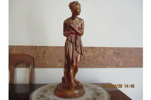 б/в Скульптури