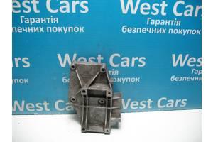 Б/У Passat  Кронштейн компрессора кондиционера 1.8B. Лучшая цена!