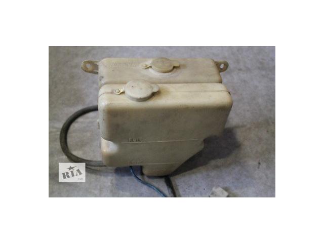 купить бу Б/у бачок омывателя для седана Mazda 626 1988-1991 в Николаеве