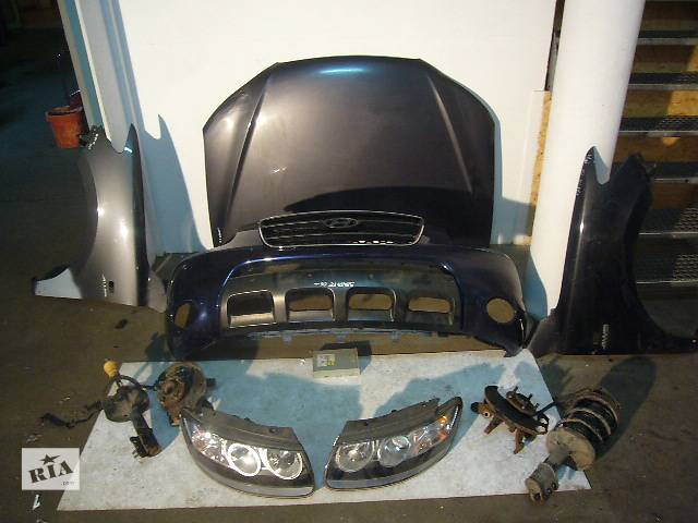 купить бу Б/у Бампер передний Hyundai Santa FE 2006-2009 в Киеве