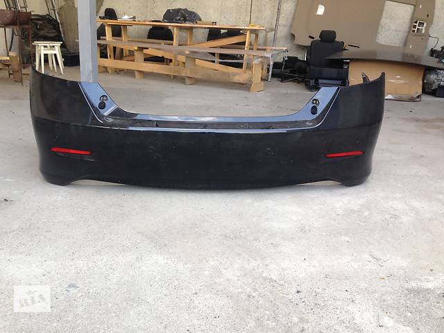 продам Б/у бампер задний для седана Toyota Camry бу в Ровно