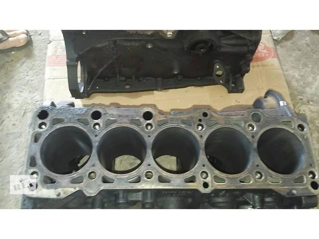 бу Б/у Блок двигателя для автобуса Volkswagen Crafter Фольксваген Крафтер 2.5 TDI 2006-2010 в Рожище