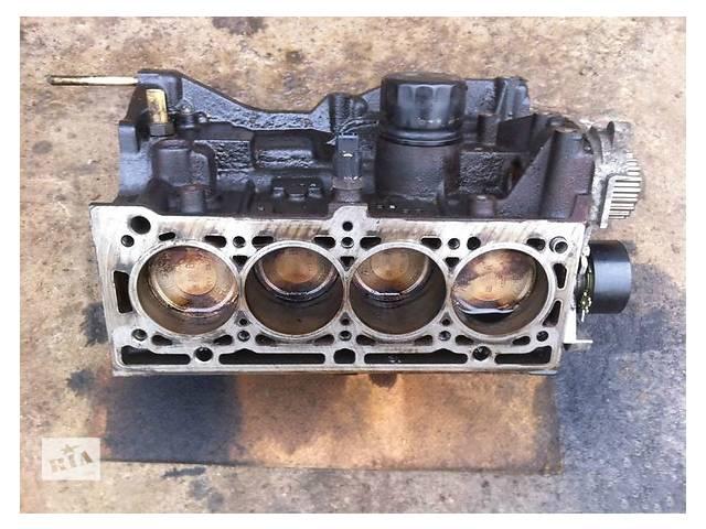 купить бу Б/у блок двигуна для легкового авто Renault Megane 1.6 в Ужгороде