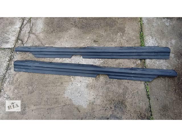 бу Б/у боковые пороги, подножки для легкового авто Volkswagen Passat B3 в Житомире