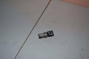 б/у Датчики давления топлива в рейке Volkswagen Passat B6