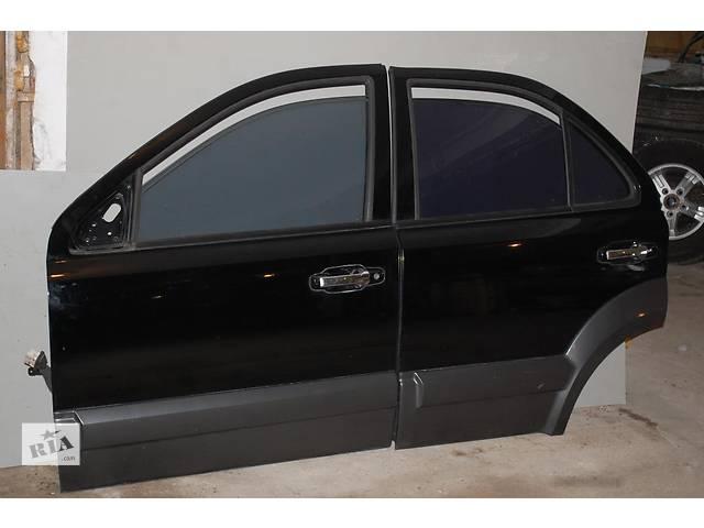 продам Б/у дверь передняя и задняя  для легкового авто Kia Sorento бу в Львове