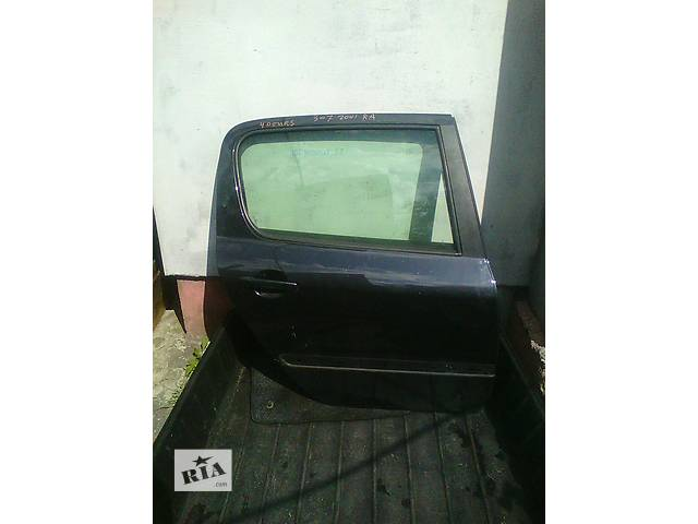 продам Б/у дверь задняя для хэтчбека Peugeot 307 бу в Ковеле