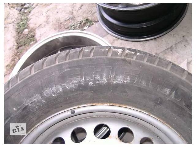 купить бу Б/у диск с шиной для грузовика Volkswagen T5 (Transporter) в Бердичеве