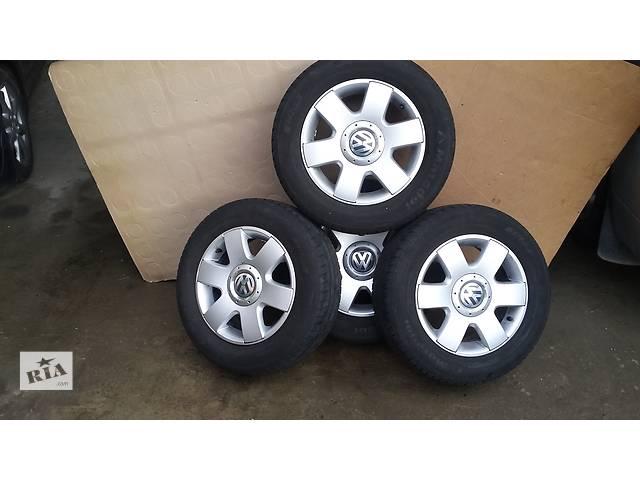 продам Б/у диск с шиной для легкового авто Volkswagen Caddy бу в Косове (Ивано-Франковской обл.)