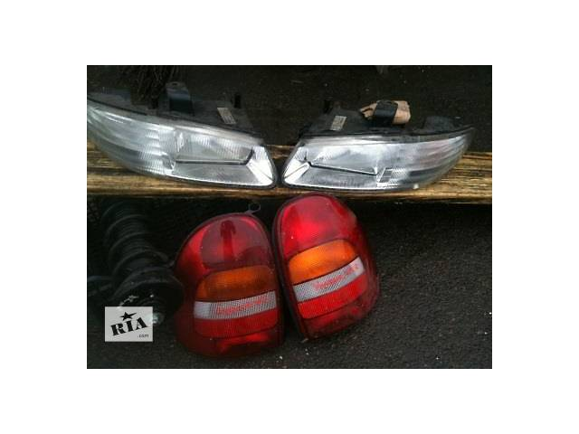 продам Б/у фонарь задний для легкового авто Chrysler 300 С бу в Ровно