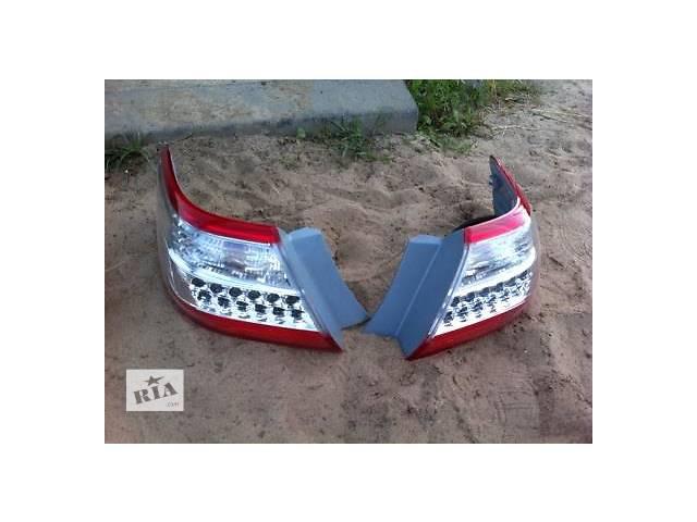продам Б/у фонарь задний для легкового авто Toyota Camry бу в Ровно