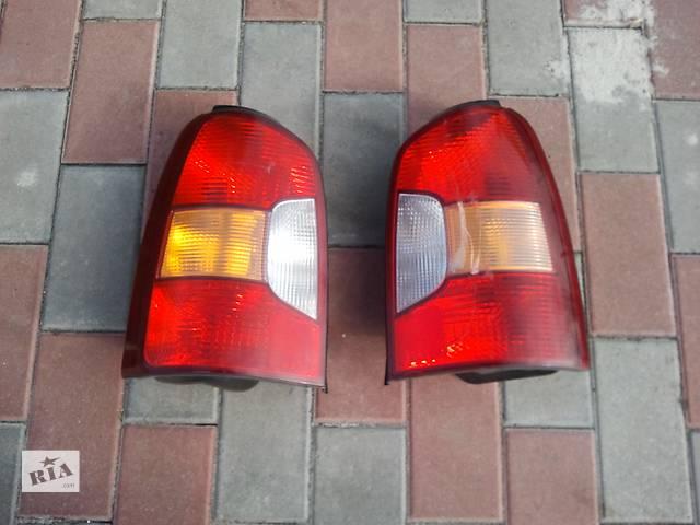 купить бу Б/у фонарь задний для минивена Hyundai Trajet левый правый в Броварах