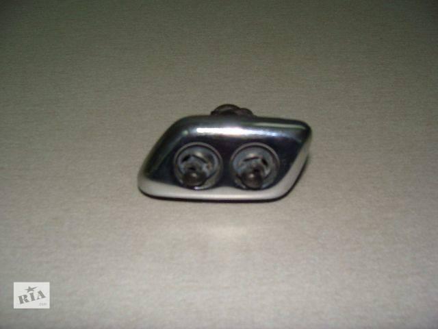 купить бу  форсунка омывателя фар (левая, правая) для легкового авто Chrysler 300 С 2005-2010 в Киеве