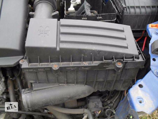 продам Б/у корпус воздушного фильтра для хэтчбека Skoda Octavia A5 2006 бу в Пустомытах (Львовской обл.)