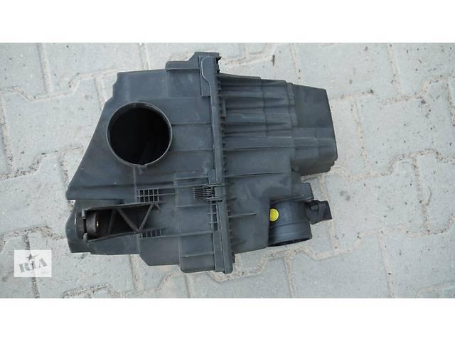 Б/у корпус воздушного фильтра для легкового авто Volkswagen T5 (Transporter)- объявление о продаже  в Львове