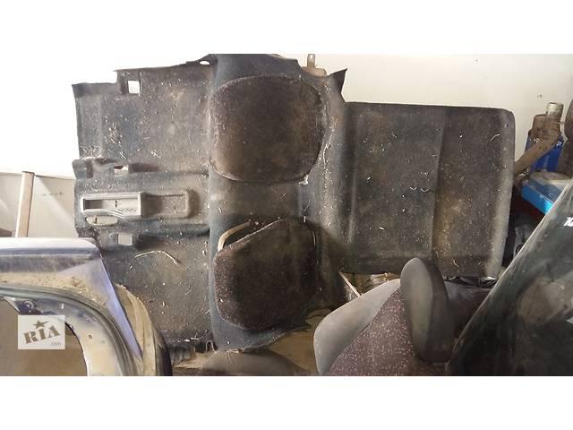 купить бу Б/у ковёр багажника для купе Opel Tigra в Ровно