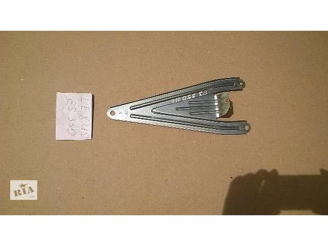 Б/у кронштейн задней карты двери 67646-33010 для седана Lexus ES 350 2007г- объявление о продаже  в Николаеве