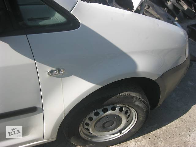 Б/у крыло переднее Volkswagen Caddy- объявление о продаже  в Ровно