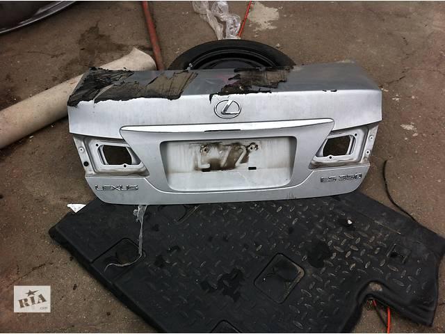 бу Б/у крышка багажника для легкового авто Lexus ES в Ровно