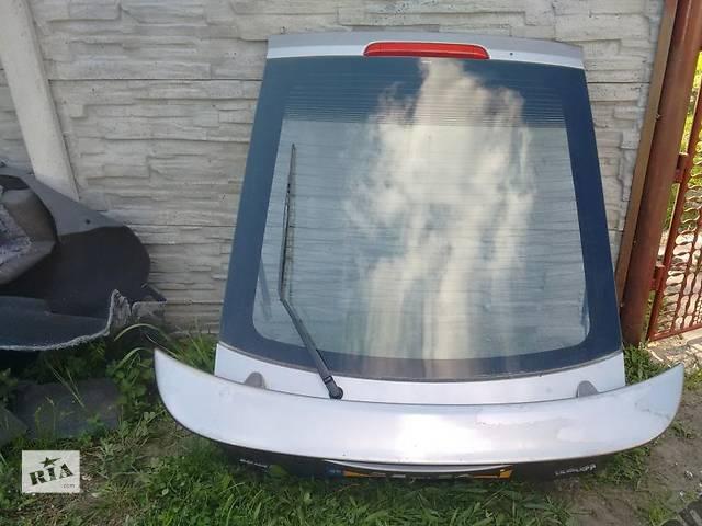 продам Б/у крышка багажника для легкового авто Toyota Corolla бу в Львове