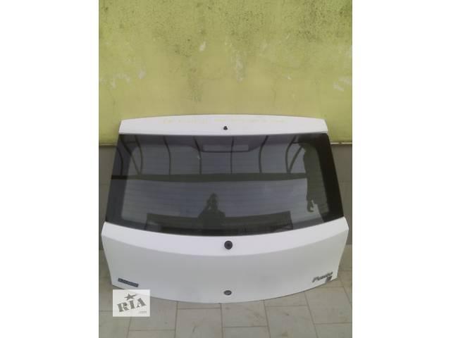 Б/у крышка багажника для седана Fiat Punto- объявление о продаже  в Чорткове