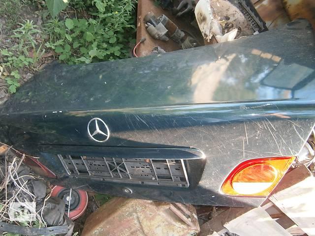 купить бу Б/у крышка багажника Mercedes E-Class в Харькове
