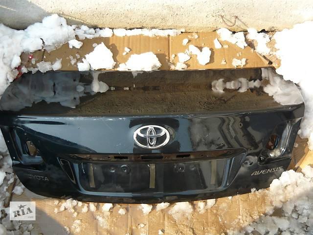 бу Б/у крышка багажника  Toyota Avensis в Киеве