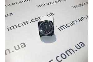 Б/У Mercedes Часы аналоговые A2138270070