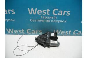 Б/У Моторчик склопідіймача передньої правої двері Touran 2004 - 2013 1K0959792G. Вперед за покупками!