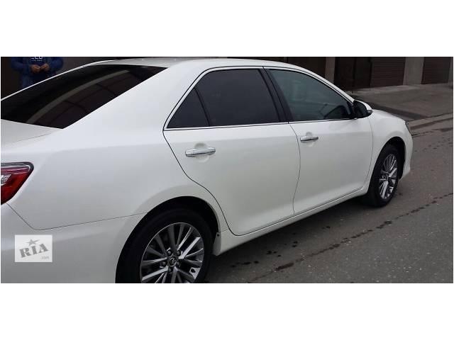 продам Б/у накладка порога для легкового авто Toyota Camry 55 бу в Киеве