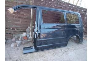 б/у Накладки стойки лобового стекла Volkswagen T5 (Transporter)