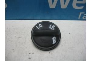 Б/У Кришку маслозаливної горловини Octavia A5 2004 - 2013 049103485A. Вперед за покупками!
