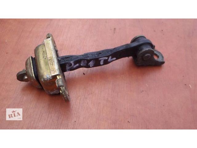 купить бу Б/у ограничитель двери для седана Nissan Primera Р11 2000 в Николаеве