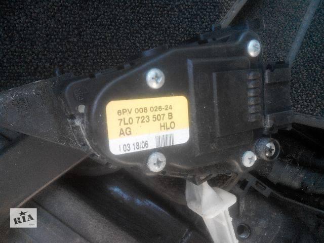 купить бу Б/у педаль газа для легкового авто Audi Q7 2007 в Львове