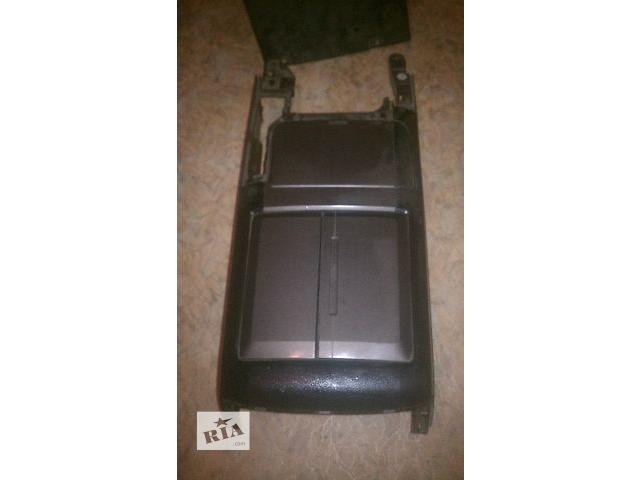 продам Б/у подлокотник передний для кроссовера Lexus GX470 2002-2009 бу в Николаеве