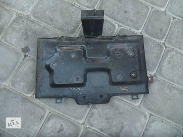 продам Б/у подставка под акумулятор для легкового авто Kia Sorento 2007 бу в Коломые