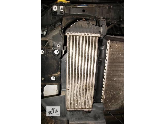 продам Б/у Радіатори Радиатор интеркуллера Renault Кенго 2 2009 1,5 DCI бу в Луцке