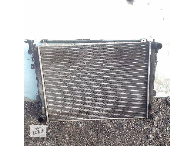 продам Б/у радиатор для легкового авто Kia Carens 2006-2012 р бу в Авдеевке (Донецкой обл.)