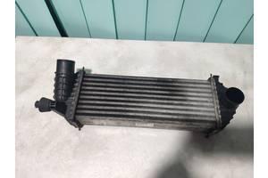 Б/у Радиатор интеркулера Renault Kangoo 2008- . 8200427469.