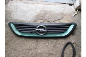 б/в грати радіатора Opel Vectra B