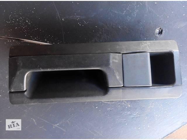 бу Б/у ручка двери задней внутренняя 2.2, 2.7 CDi Mercedes Sprinter Мерседес Спринтер W 903, 901 в Ровно