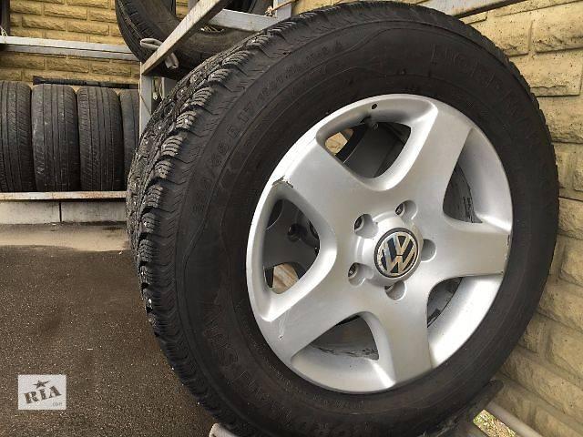 купить бу Б/у шины для кроссовера Volkswagen Touareg 2014 в Запорожье