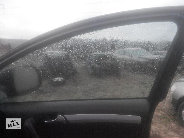 продам Б/у стекло двери для легкового авто Audi Q7 2006 бу в Львове