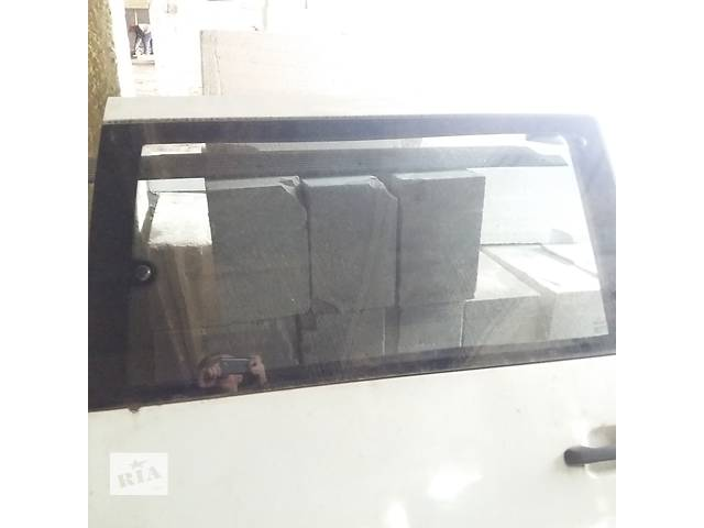 купить бу Б/у стекло двери для легкового авто Mercedes Vito (открывное) в Ковеле
