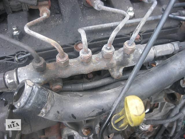 купить бу Б/у топливная рейка Citroen Jumper 2.2 hdi 2006- в Ровно