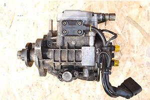б/у Топливные насосы высокого давления/трубки/шестерни Seat Leon