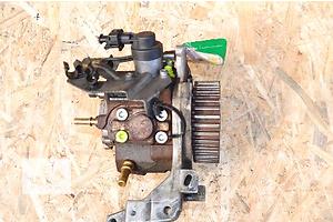 б/в Паливні насоси високого тиску / трубки / шестерні Volvo V50