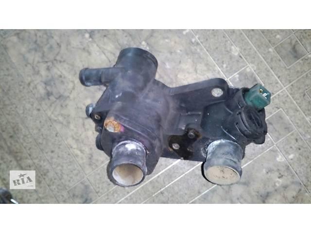 продам Б/у трубка охлаждения корпус термостата 033121111mn Volkswagen Golf IV №2355000 бу в Львове