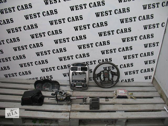 купить бу Б/у центральная консоль для легкового авто Kia Cerato 2006 в Луцке
